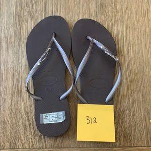 Havaianas, 41-42,dk brown, thin strap w/jewels,new